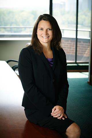 Kelli Watson Francuzneko - Nevrivy Patent Group